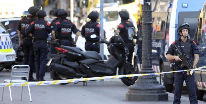 LOS DETENIDOS POR EL ATAQUE DE BARCELONA SON UN ESPAÑOL Y TRES MARROQUÍES: POLICÍA