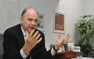 DIVISIÓN DE IZQUIERDA Y DERECHA ES ANACRÓNICA, RECUERDA KRAUZE A PRD, PAN Y MC