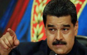 MADURO SE ACERCA A NUEVO TRIUNFO ELECTORAL CON CAMINO DESPEJADO DE OPONENTES
