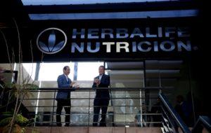 Inaugura Gobernador Call Center Herbalife en Querétaro