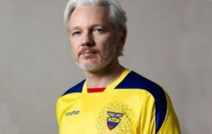 Assange aparece en Registro Civil de Ecuador, gobierno habría concedido nacionalidad