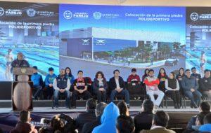 Marcos Aguilar Vega, puso la primera piedra, en la Delegación Félix Osores Soto Mayor, de lo que será un nuevo Polideportivo Acuático Municipal.