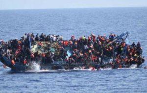 POR LO MENOS 90 MIGRANTES AHOGADOS EN NAUFRAGIO EN COSTA LIBIA.